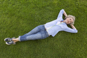 Giving Your Mother the Gift of Artificial Grass This Mother's Day